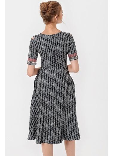 Jument Hürrem Kayık Yaka Omuz Dekolteli Pilikaşeli Elbise Lacivert